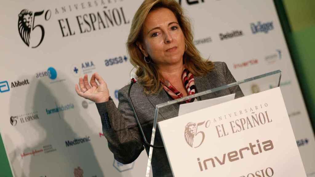 Nieves Segovia, presidenta de la Institución Educativa SEK durante la ceremonia de clausura.