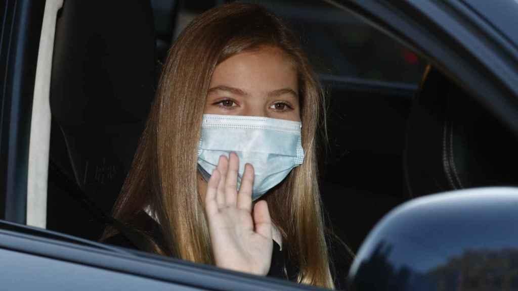 La infanta Sofía, en su llegada al colegio.