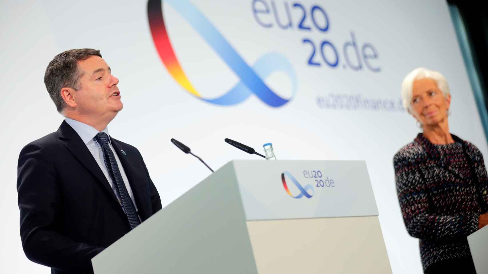 El presidente del Eurogrupo, Paschal Donohoe, y la presidenta del BCE, Christine Lagarde, este viernes en Berlín