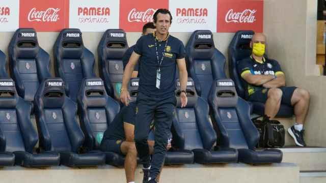 Unai Emery, en el banquillo del Villarreal durante el partido frente al Huesca
