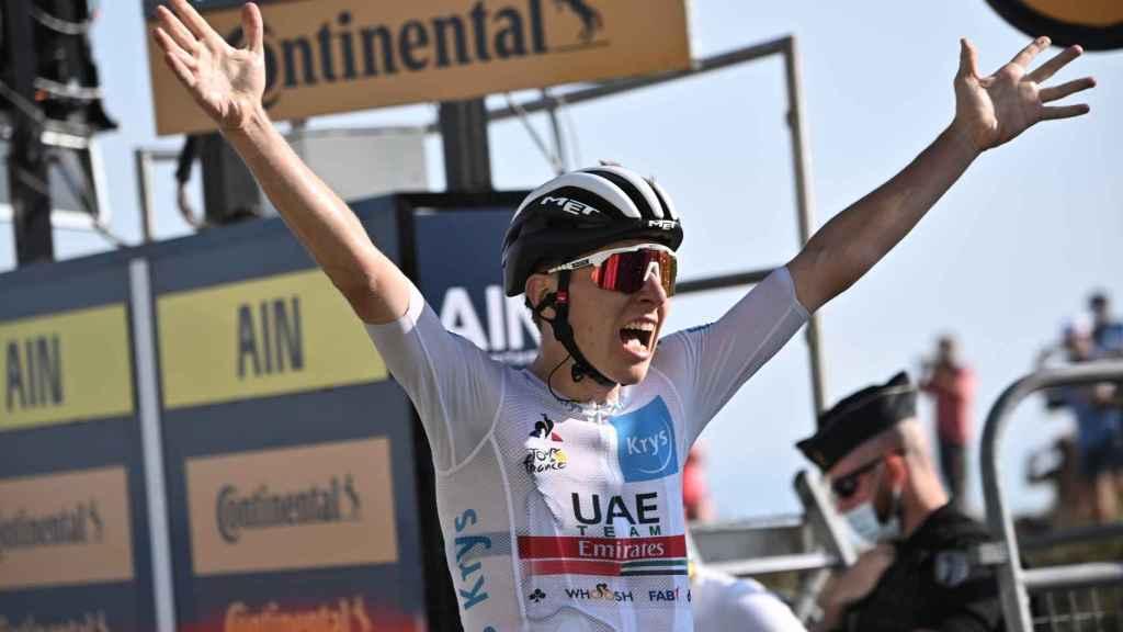 Tadej Pogacar celebra su victoria en el Grand Colombier en el Tour de Francia 2020