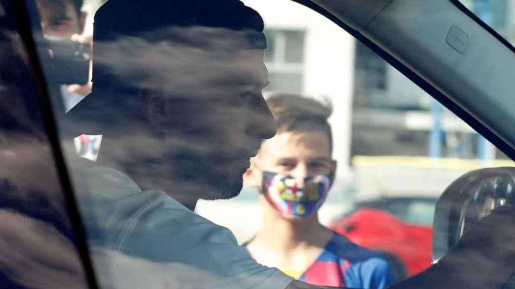 Luis Suárez, en su coche particular