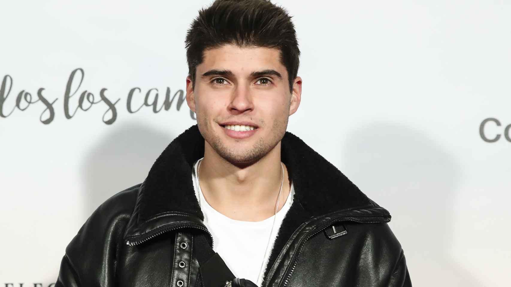 Javier Tudela ha atacado al ex de su madre tras su entrevista en 'Sábado Deluxe'.