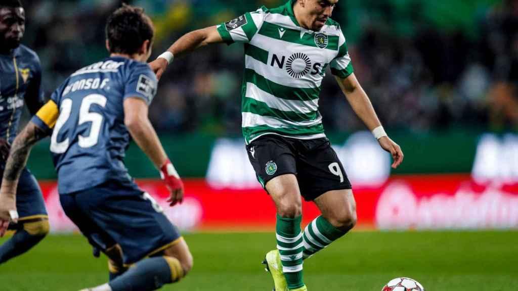 Marcos Acuña en un partido con el Sporting