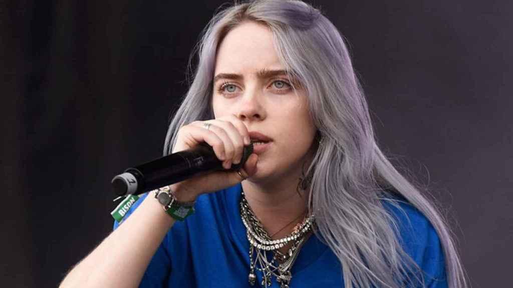 Billie Eilish creó tendencia con su coloración capilar.