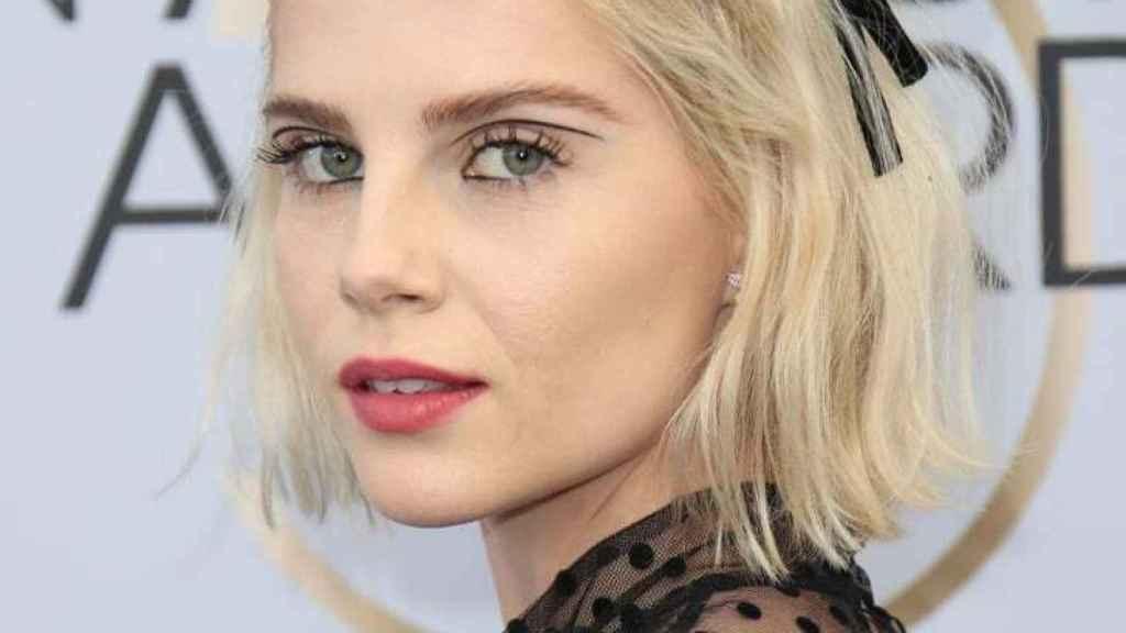 El eyeliner gráfico se posiciona como el maquillaje de ojos estrella este otoño.