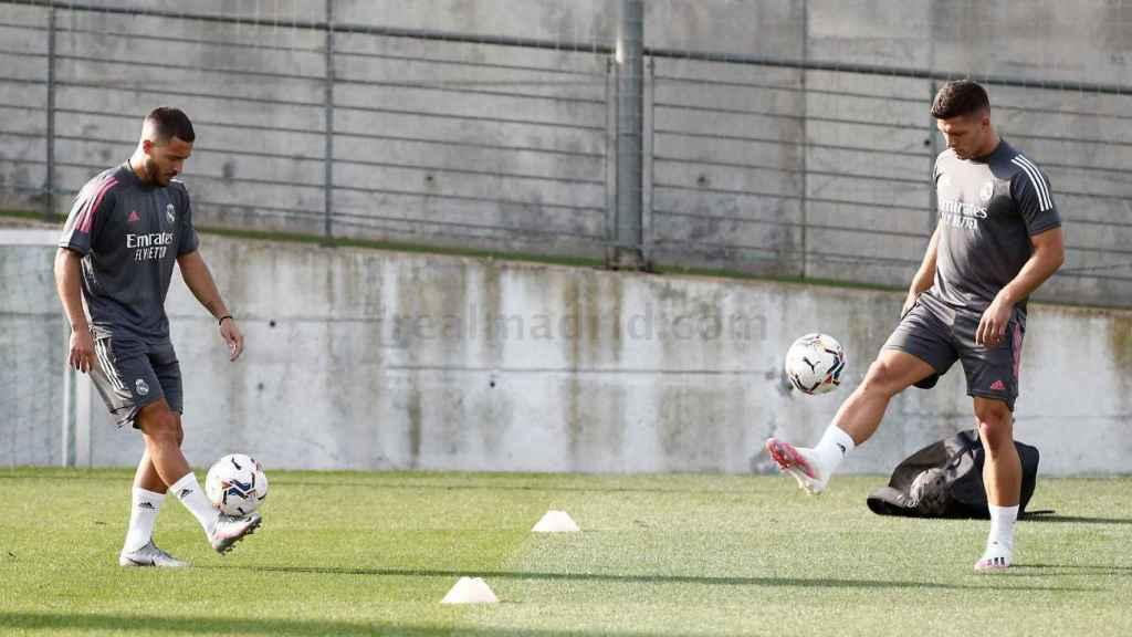 Hazard y Jovic entrenando