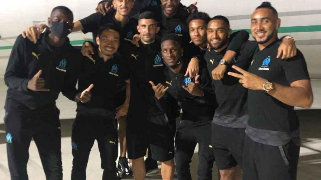 Álvaro González junto a sus compañeros del Olympique de Marsella