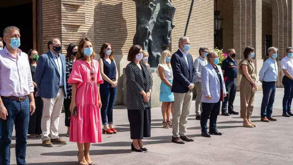 Minuto de silencio guardado por la corporación municipal de Zaragoza.
