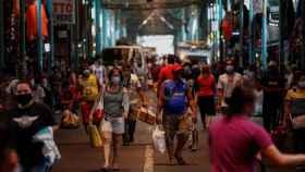 Vista del mercado del distrito de Marikina en Manila, Filipinas este martes.