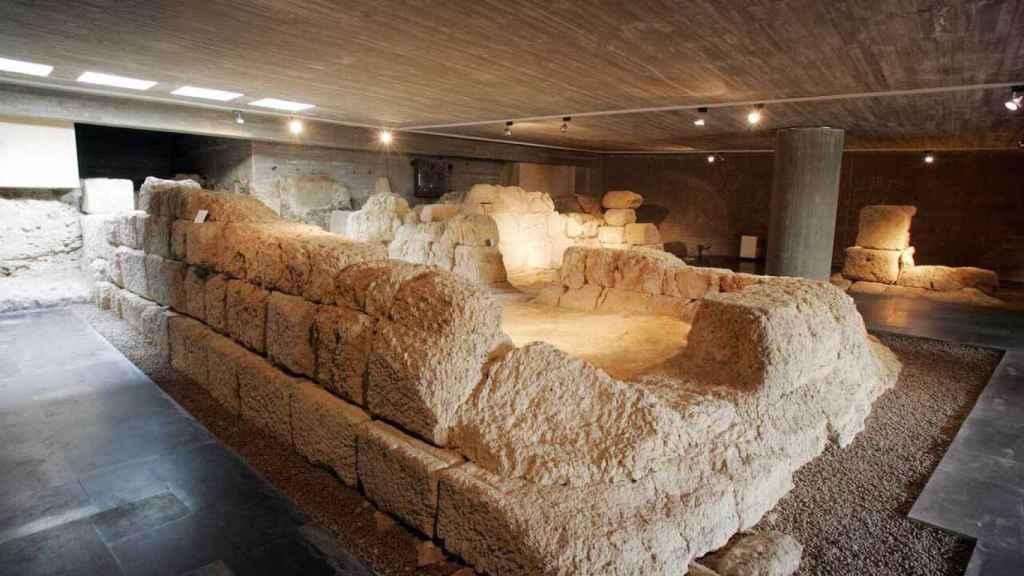Restos arqueológicos de la puerta 'Principalis Sinistra' (Puerta Obispo), acceso oriental del campamento de la Legio VII Gemina en León.