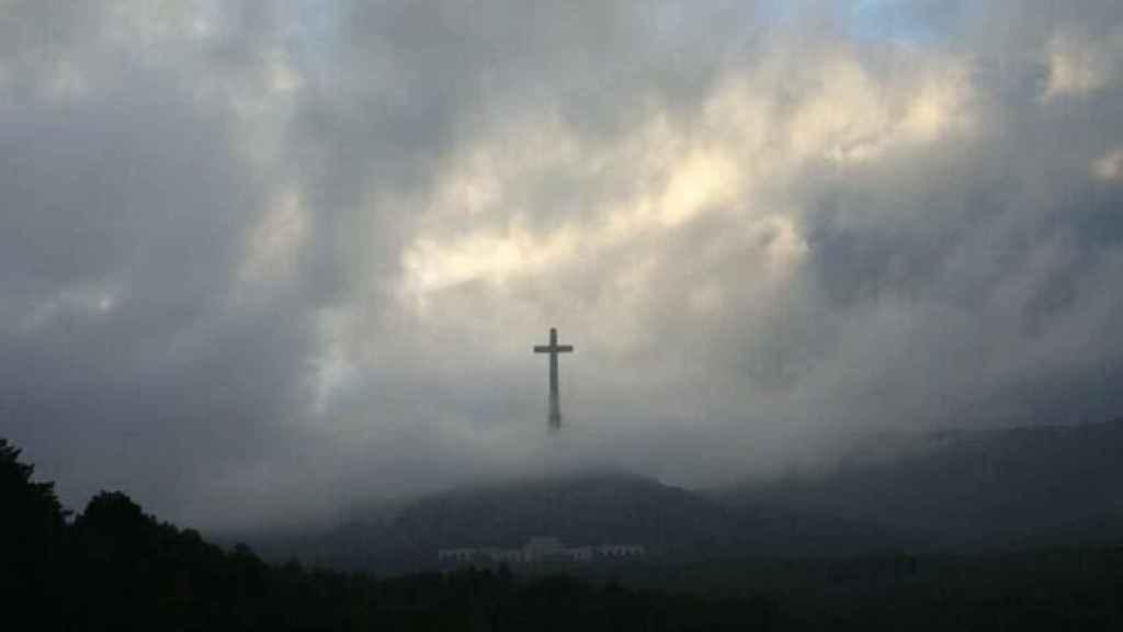 Fotografía de la Cruz del Valle de los Caídos compartida por Rocío de Meer.