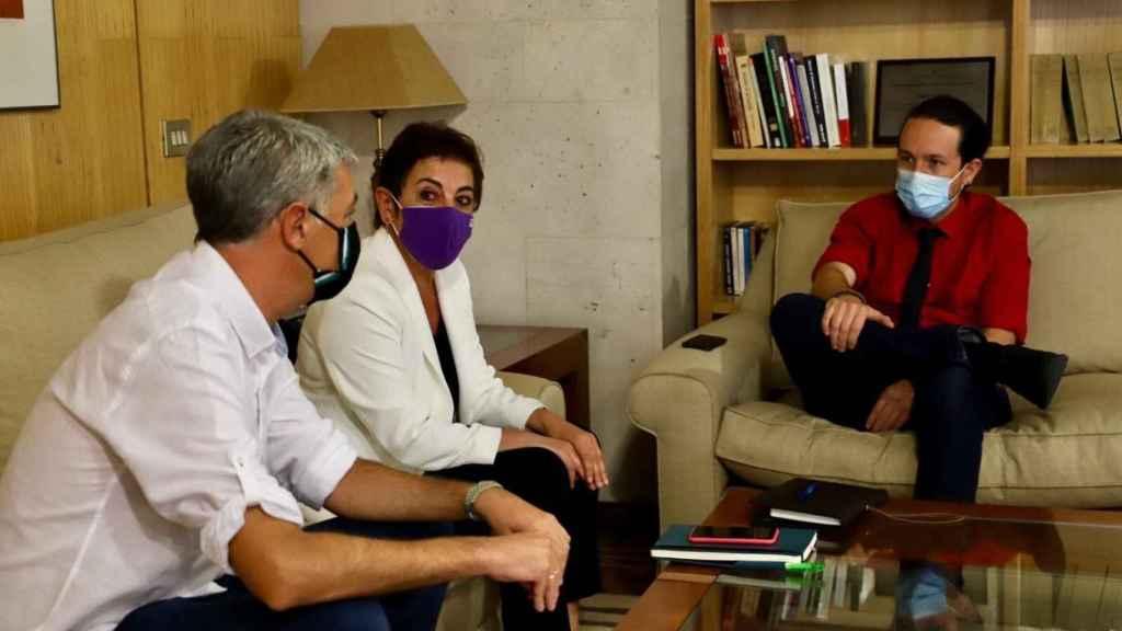Reunión del vicepresidente segundo, Pablo Iglesias, con Oskar Matute y Mertxe Aizpurua, portavoces de de Bildu.