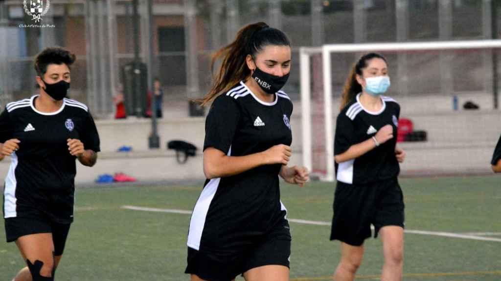Las chicas del Atlético de Pinto femenino durante un entrenamiento de pretemporada