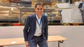 De embajador turístico a crear camisetas para pacientes Covid: así es la nueva vida de Fernando Hierro