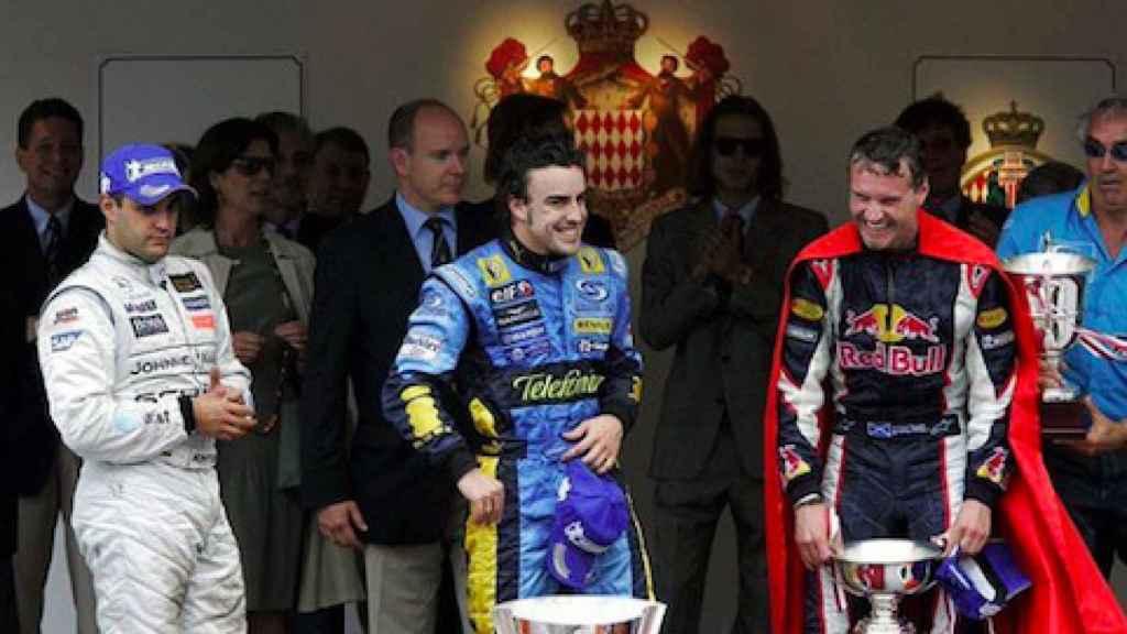 Fernando Alonso celebra su victoria en el GP de Mónaco 2006
