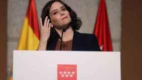 La presidenta madrileña, Isabel Díaz Ayuso, ofrece una rueda de prensa para anunciar las restricciones de movilidad para hacer frente al coronavirus.