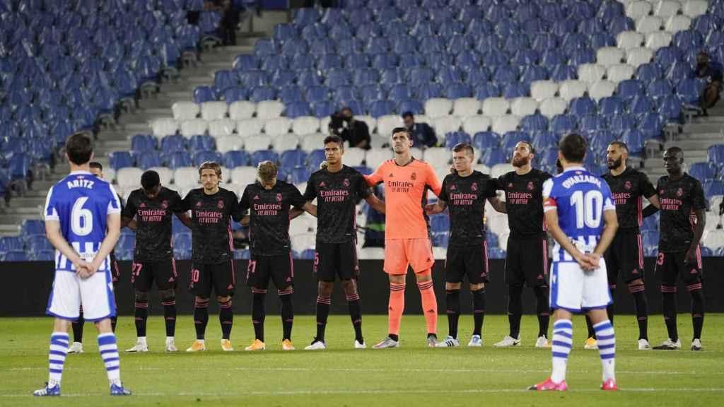 Minuto de silencio previo al Real Sociedad - Real Madrid de La Liga