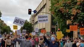 Decenas de personas se manifiestan en el sur de Madrid.