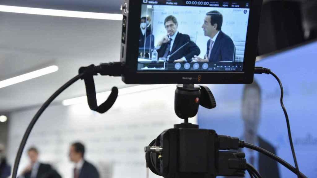 Rueda de prensa de Bankia y CaixaBank para presentar el proyecto de fusión.