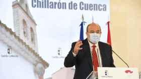 José Luis Martínez Guijarro, vicepresidente de Castilla-La Mancha, este lunes en la localidad conquense de Chillarón