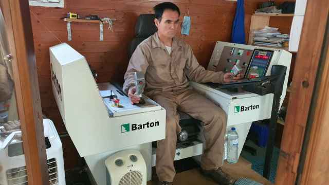 Un operario, en su día a día como maderista.