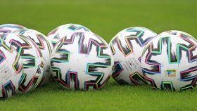 Balones de fútbol. Foto: rcdeportivo.es