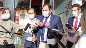 El presidente del PP de Castilla-La Mancha, Paco Núñez, este martes ante los periodistas en Guadalajara