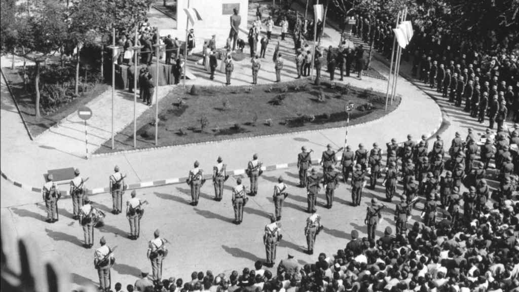 Inauguración de la Plaza de Millán-Astray en La Coruña (1927).