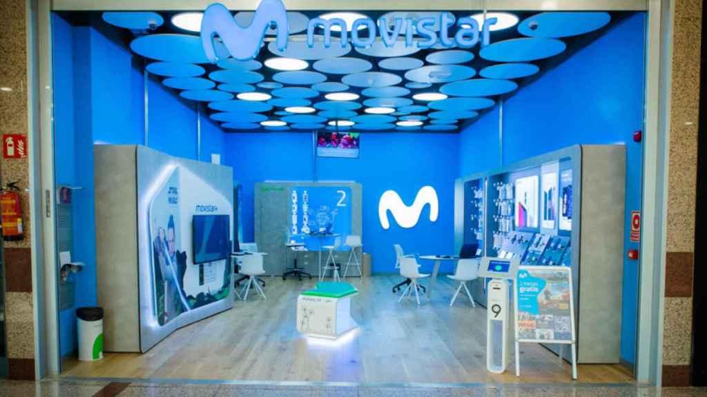 Tienda de Movistar en el centro comercial Gran Vía de Hortaleza.