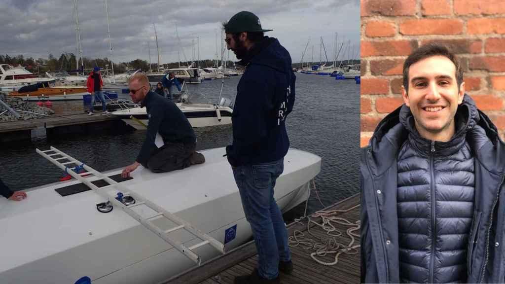 Jordi Adroer i Gras junto al modelo a escala del barco