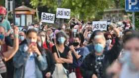 Manifestación contra el confinamiento en el barrio madrileño de Usera. EFE/ Fernando Villar