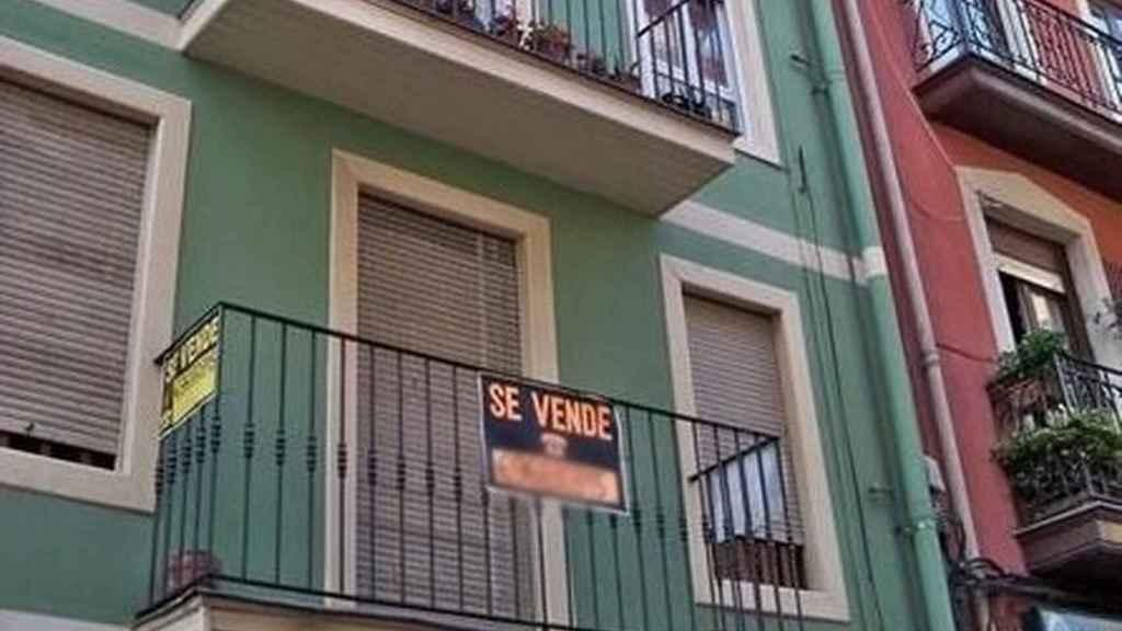 Una vivienda en venta en la ciudad.