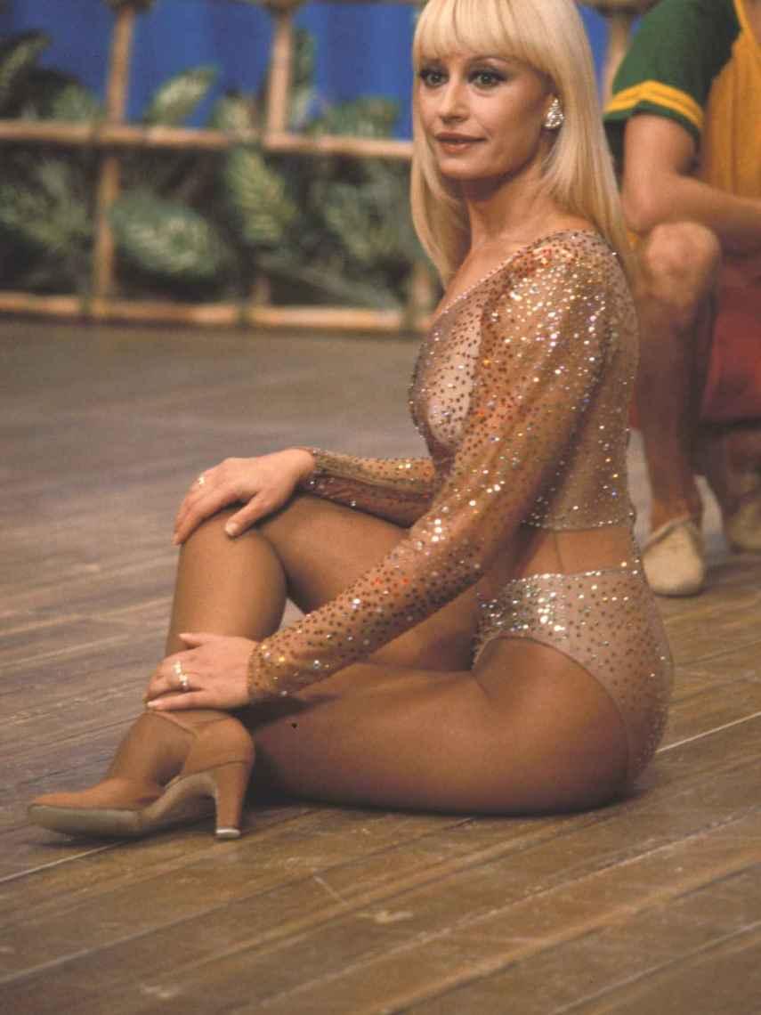 Raffaella Carrà, in the 80s.