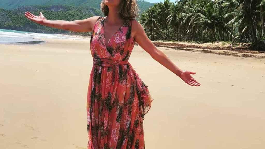 Sandra Barneda muestra su versión más caribeña en el 'reality'.