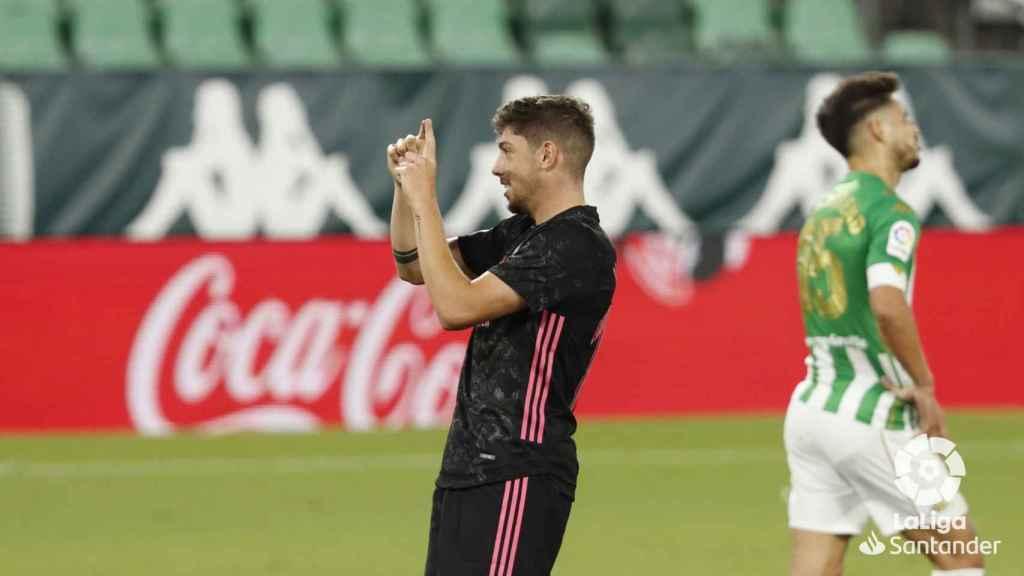 Fede Valverde celebra su gol con el Real Madrid ante el Betis