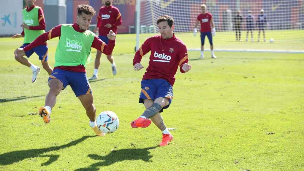 Messi y Coutinho durante un entrenamiento del FC Barcelona