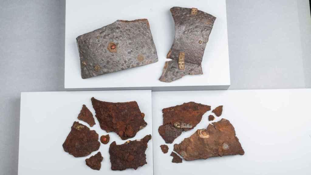 Varias de las piezas ya restauradas de la armadura romana hallada en el sitio de la batalla de Teutoburgo.