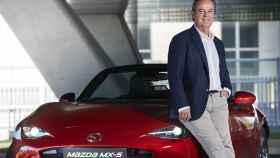 José María Terol, presidente y CEO de Mazda en España, sobre un MX-5.