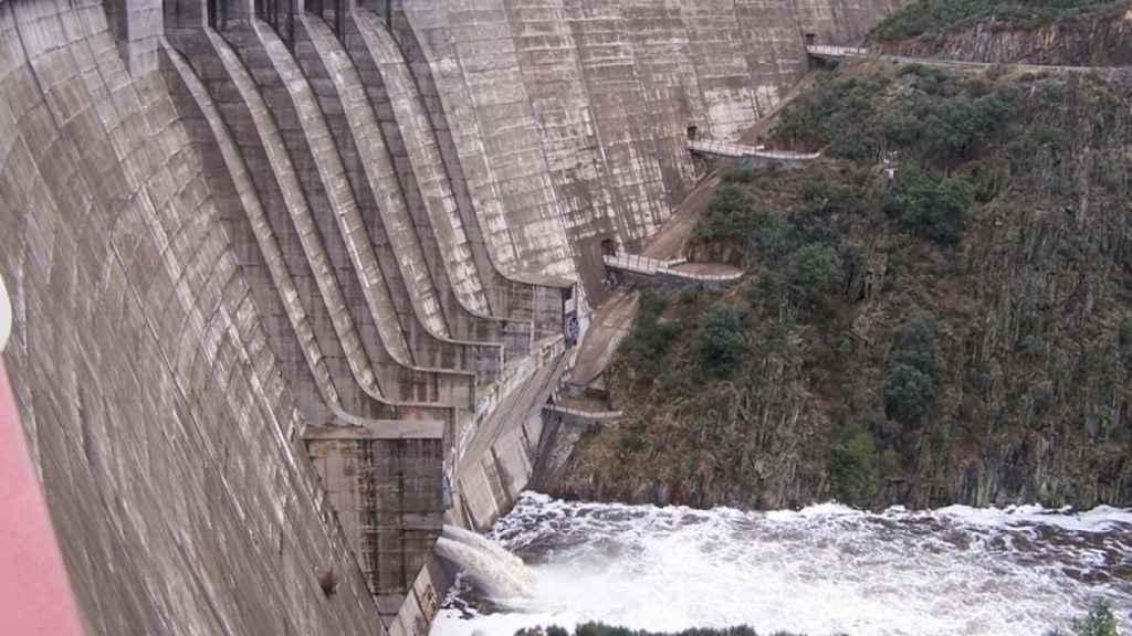 El Gobierno impulsa una central hidroeléctrica de gestión pública en la presa de Irueña (Salamanca)