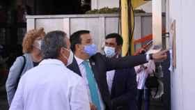 El consejero de Agricultura, Agua y Desarrollo Rural, Francisco Martínez Arroyo, en Pedro Muñoz
