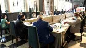 El presidente de la Junta de Andalucía, Juanma Moreno, preside el comité asesor del coronavirus.