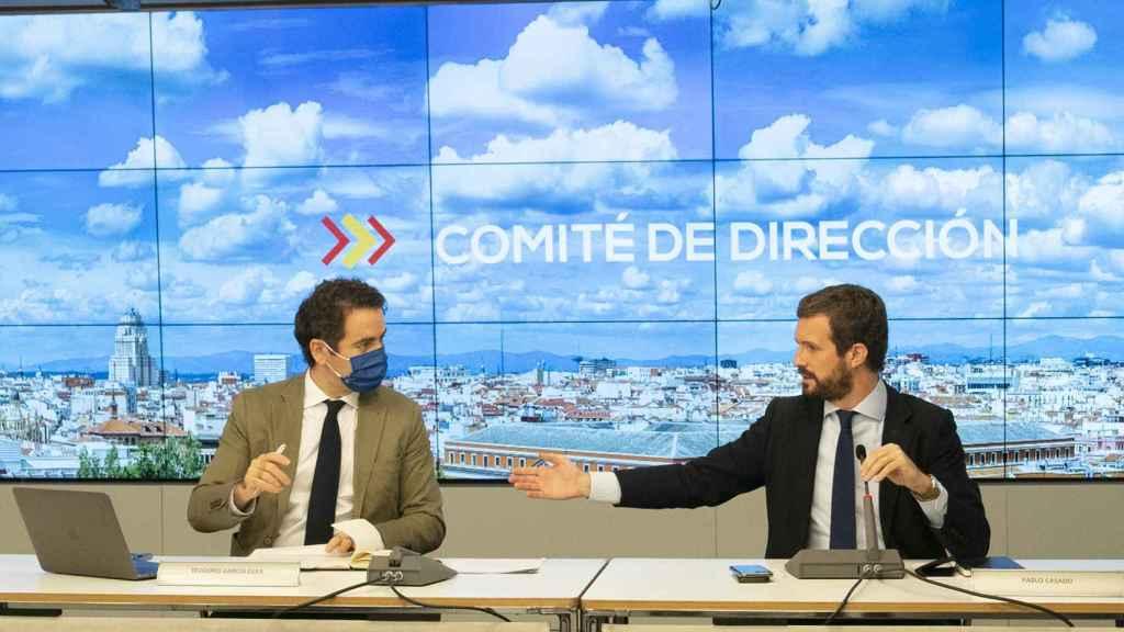 Teodoro García Egea y Pablo Casado en el Comité de Dirección del PP.