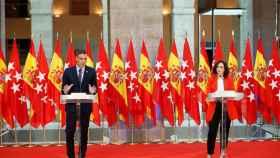 El presidente del Gobierno, Pedro Sánchez, y la presidenta de Madrid, Isabel Díaz Ayuso, el lunes pasado.