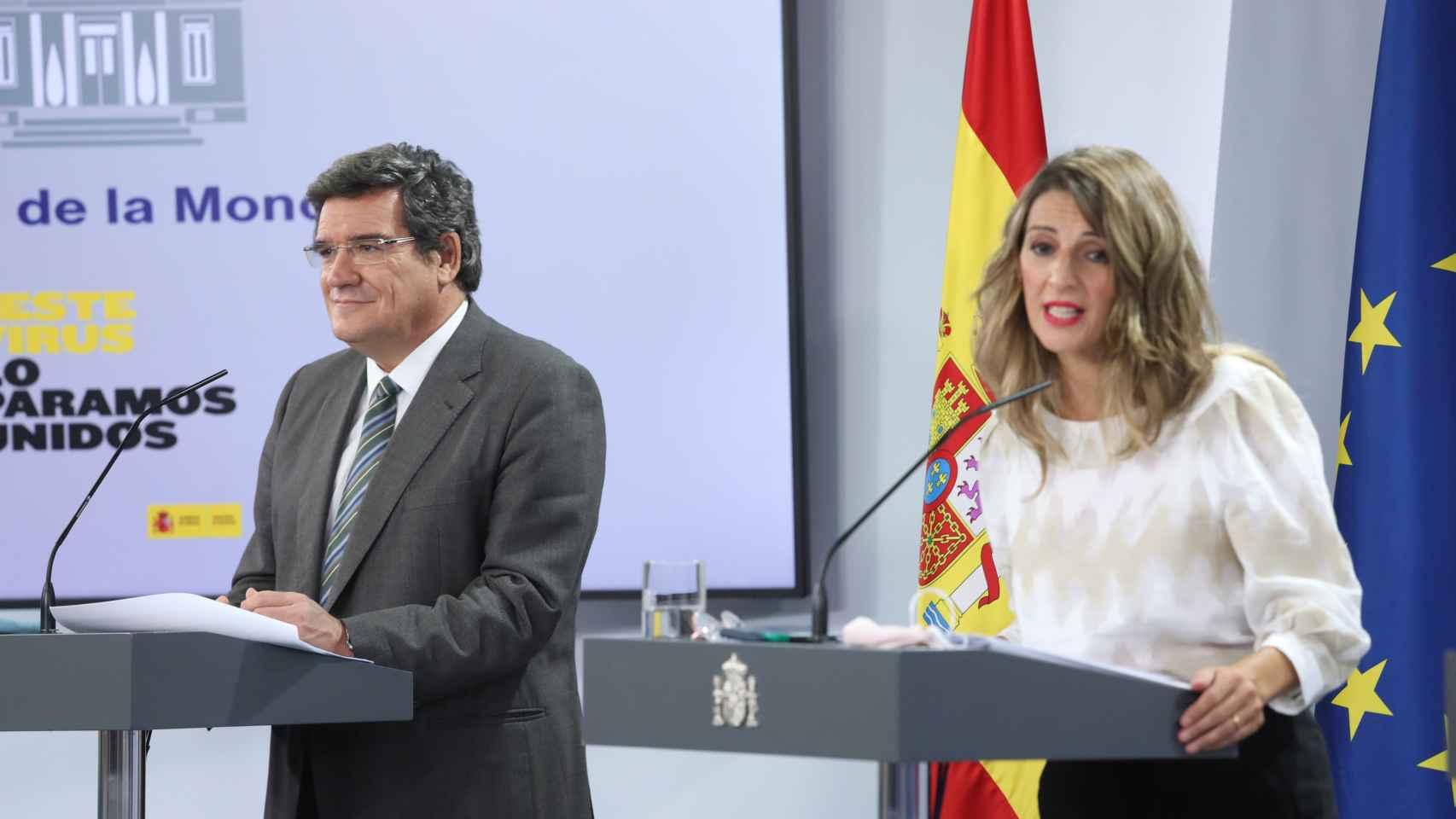 José Luis Escrivá, ministro de Inclusión, Seguridad Social y Migraciones, y Yolnda Díaz, ministra de Trabajo y Economía Social.