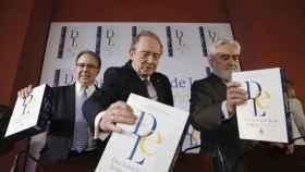 El diccionario de la Real Academia de la Lengua.