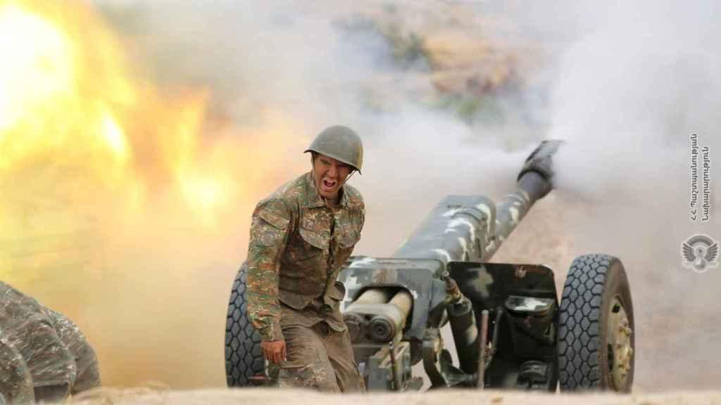 Un militar en la zona de conflicto. / Reuters