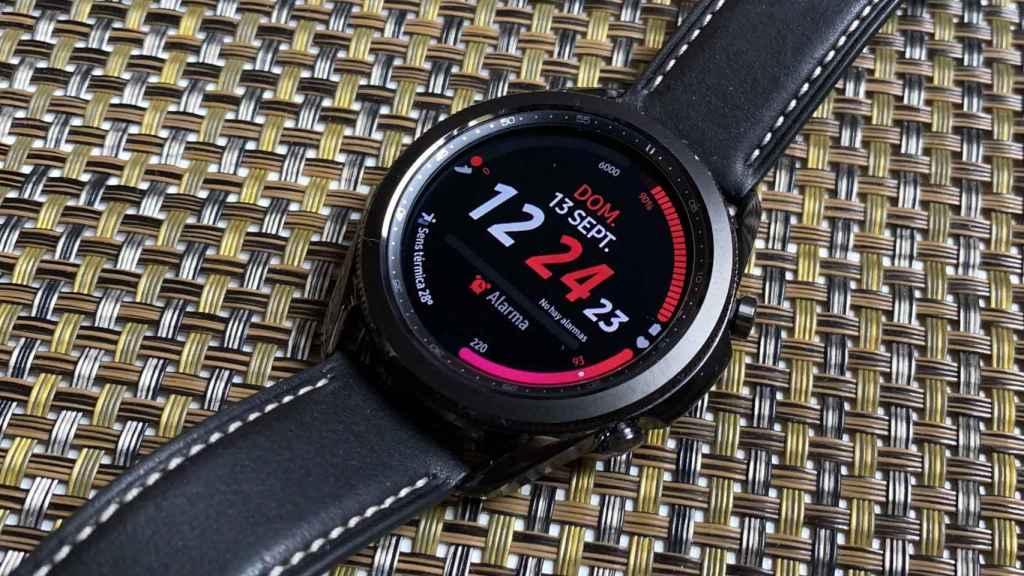 Las esferas incluidas en el Samsung Galaxy Watch 3 son muy personalizables