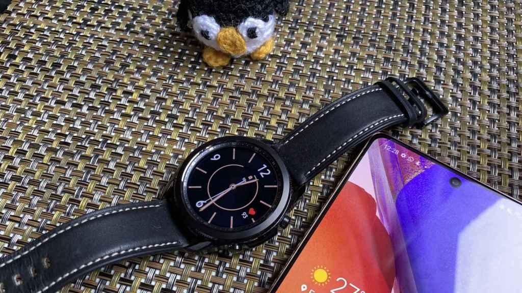 El Samsung Galaxy Watch 3 casa bien con otros productos de la marca coreana