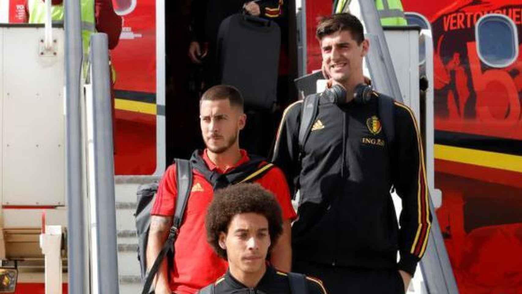 Hazard y Courtois, con Bélgica